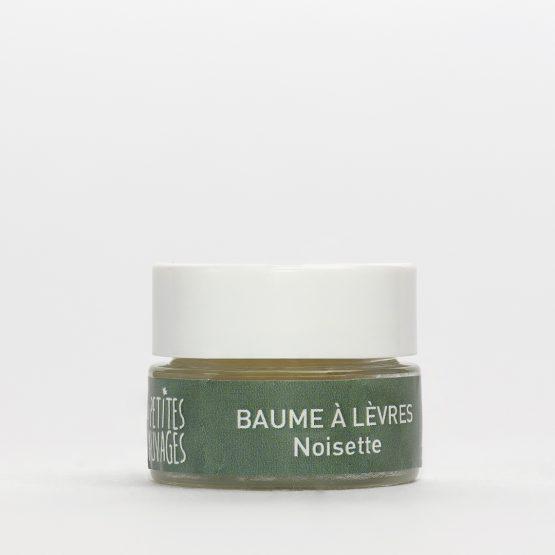 Le baume à lèvres NOISETTE est un indispensable, il est efficace en toute circonstance.